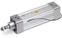 ISO 15552 Zylinder der Parker Baureihe P1D-B für einen maximalen Arbeitsdruck bis 10 bar und einen Temperaturbereich von -20°C bis +80°C. Die Baureihe ist erhältlich in Durchmessern von 32 bis 125 mm.